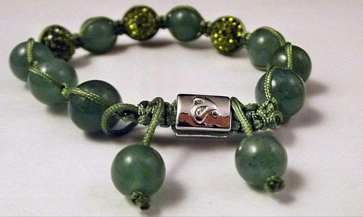Камень браслет зеленый
