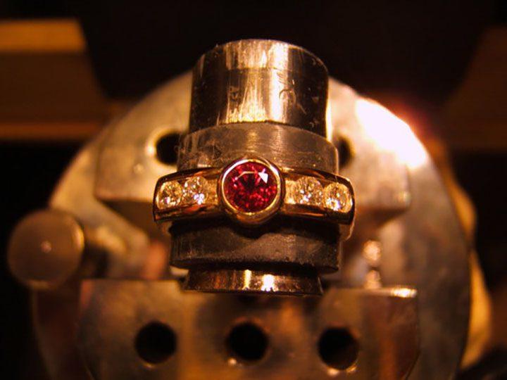 Неограненный бриллиант