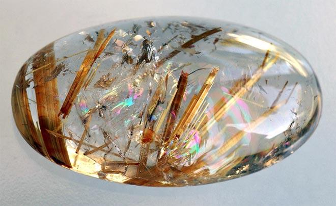 камень «волосы Венеры» рутиловый кварц