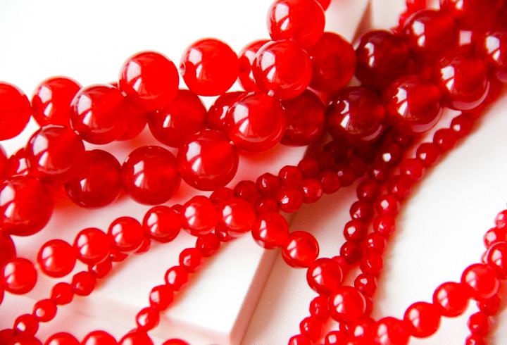 Красный нефрит и его свойства